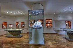 Isini Gems & Jewellers