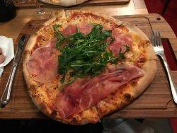 Mini pizzeria but great taste