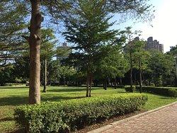 Chong Lun Park