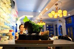 #赤崁璽樓 餐廳 (旅遊照相景點) 訂位專線 06-2245179 按個讚!分享不為人知的府城巷弄等你來發掘。 地址台南市西門路二段372巷10號