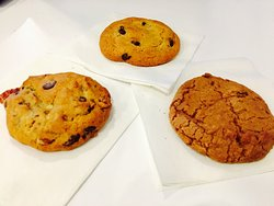 Was on the hunt for cookies after seeing Byrd's famous cookies were not freshly baked. It was worth the 10-15 minute