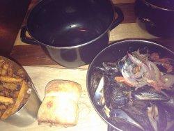 provencale mussels large pot $23.00