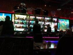 Nice trendy bar with nice live music