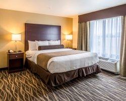 Cobblestone Hotel & Suites - Menomonie