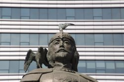 Statue of Marco Polo