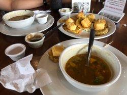 Sopa de Tortilla y Tostones de Platano con queso horneado.