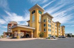 La Quinta Inn & Suites Denver Gateway Park