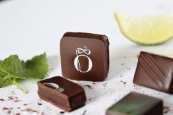 Quelques chocolats Opéra : le Opéra, le Jasmine et le Maracana.