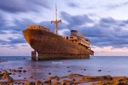 Barco Telamon encallado