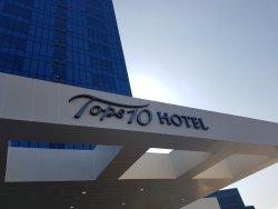 Hotel Tops 10