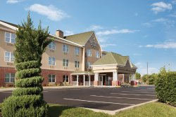 Country Inn & Suites Washington DC East - Capitol Heights, MD.