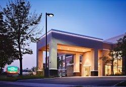 サンダルウッド スイーツ ホテル トロント エアポート