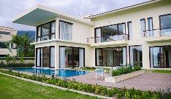 Diamond Bay Golf & Villas Resort