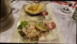 Excelente comida y decoración local😊