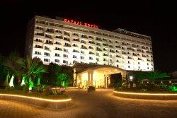 サヤジ ホテル