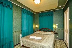 Chernoye I Beloye Hotel