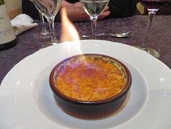 crème brûlée flambée