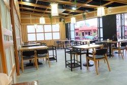 Namphou Park Bar&Restaurant