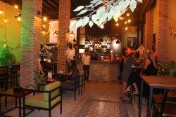 Feliz Hostel, Cafe & Bar