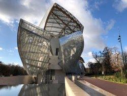 Fondation Louis Vuitton. Une sculpture !