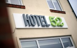 Hotel 52