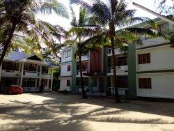 Khine Chaung Tha Hotel
