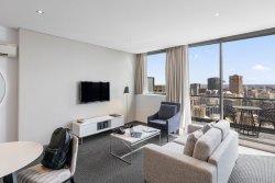 Meriton Suites Campbell Street, Sydney