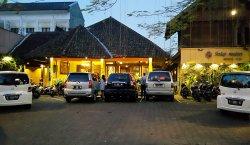 Sedep Malem Restoran Sunda
