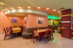 Hotel-Restaurant Elegance