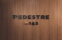 Pedestre 142