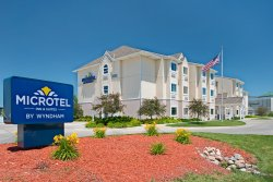 Microtel Inn & Suites by Wyndham Council Bluffs
