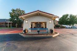 Motel 6 Hazelwood, MO