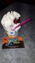 Glace citron, cassis, chantilly