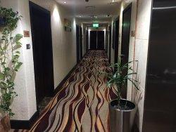 Хороший отель и очень хороший русскоговорящий персонал