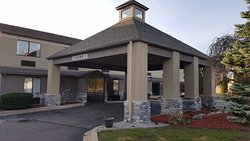 Baymont Inn & Suites Belleville Airport Area