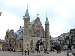 I guide you through The Hague
