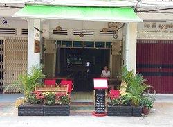 Nomad Kitchen & Bar