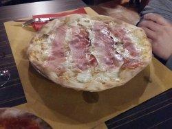 La Grotta Rossa Pizzeria Pub