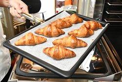 朝食バイキング(焼き立てパン)