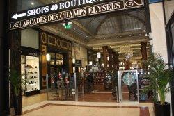Les Arcades des Champs Elysees