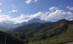 Vista da montanha de quem segue para o Bairro dos Marins