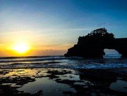 Tanah Lot sunset - Bali Travel Expert