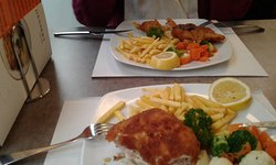 Grossartige Cordon Bleu und Wienerschnitzel