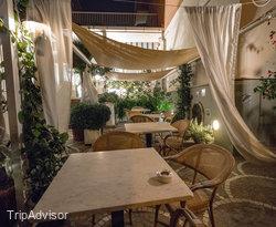 Courtyard at the Hotel Sirenetta