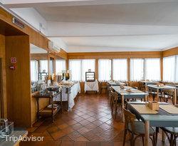 Breakfast Room at the Hotel Sirenetta