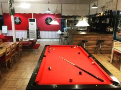 Bilardo ve Dart (Pool Table And Dart)