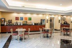 Comfort Suites Indianapolis Airport
