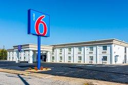 Motel 6 Petersburg, VA