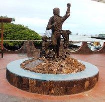 Monumento al Pescador Galapagueño