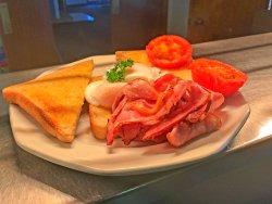 Breakfast at The Leeton Heritage Motor Inn